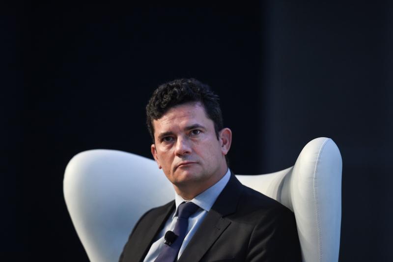Decisão de Moro proíbe que o ex-presidente receba pessoas que não sejam da família e advogados