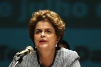 Dilma denuncia risco de fim do Mais Médicos