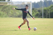 Víctor Cuesta nega ter chamado jogador do Ceará de 'macaco'