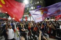 Manifestantes voltam a protestar em Porto Alegre após aprovação da reforma trabalhista
