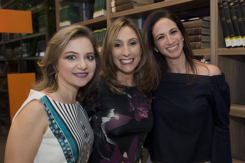 Piccoli, Adriane Kiperman e Fernanda Slavutzky na inauguração da nova biblioteca do Colégio Israelita Brasileiro