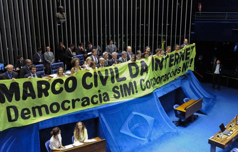Marco Civil da Internet carece de regramentos nesse setor