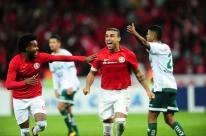 Com ajuda do bandeirinha, Inter ganha do Luverdense