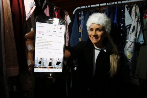 Entrevista com Day Pohl, da Dress 250, sobre a marca e o mercado online de roupas.