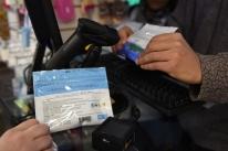 Usuários esgotam maconha de farmácias de Montevidéu em primeiro dia de vendas