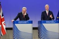 União Europeia fecha acordo sobre transição pós-Brexit do Reino Unido e Libra fortalece