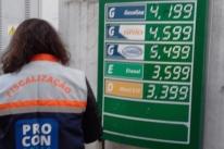 Procon notifica 17 postos de Porto Alegre por aumento de combustíveis