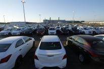 Montadoras e governo tentam definir plano para indústria de carros