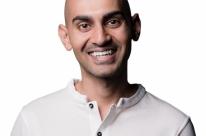 'Novas gerações nascem com smartphones ligados às mãos', avisa Patel