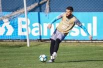 Grêmio deve poupar jogadores diante do Atlético-PR amanhã