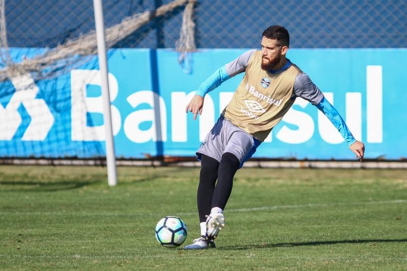 Marcelo Oliveira pode aparecer no time diante do Furacão