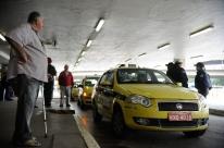 Taxistas protestam contra Uber e causam transtornos no Rio de Janeiro