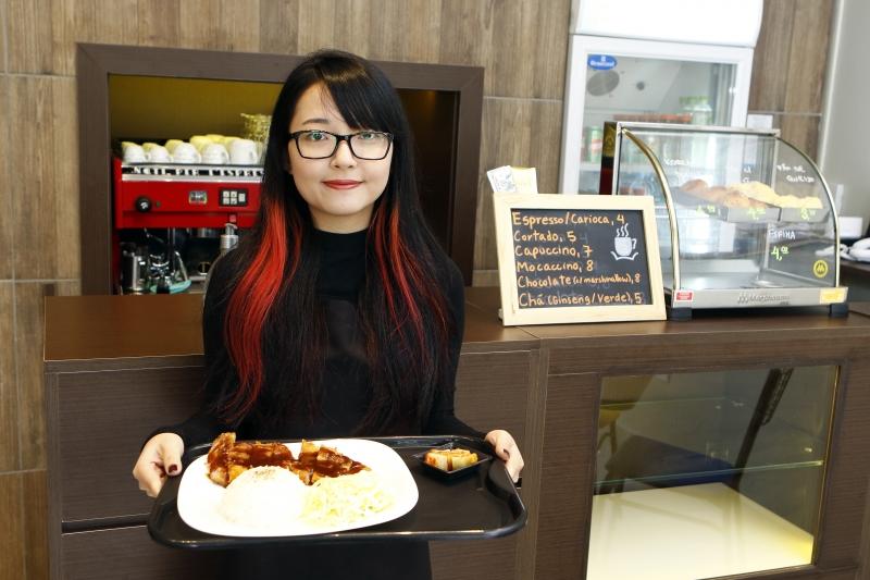 restaurante de comida coreana de Porto Alegre. Na foto: Gabriela Kim