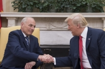 John Kelly toma posse como chefe de gabinete do governo Trump