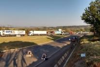 Caminhoneiros protestam em rodovias gaúchas