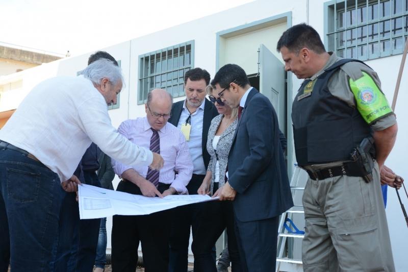 O secretário Schirmer inspecionou o local nesta terça-feira