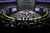 Câmara convoca sessão para adiantar votações em semana de feriado