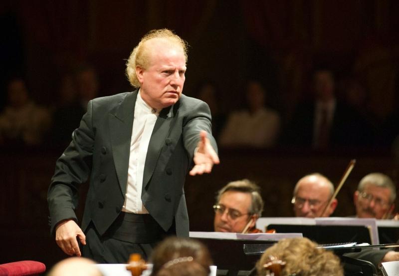 Maestro mexicano Enrique Diemecke conduz a Ospa em repertório russo e norte-americano