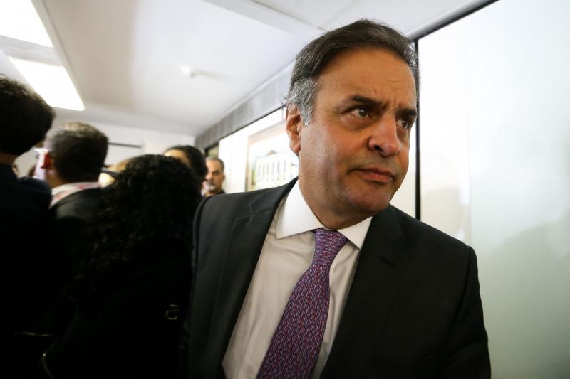 Segundo a denúncia, senador pediu R$ 2 milhões em propina em troca de atuação política