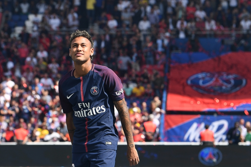 Neymar foi um dos contratados pela equipe nesta janela; Uefa suspeita de violação ao fair play financeiro