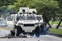 Maduro promete punir responsáveis por ataque