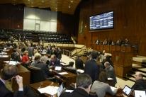 Deputados aprovam 13 matérias e liberam pauta