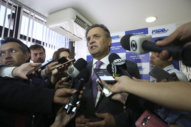 Aécio Neves não quis comentar a propaganda do PSDB veiculada em rádios e TVs