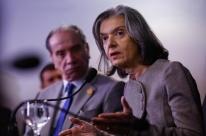 Cármen Lúcia critica 'milhões de processos' e defende conciliação