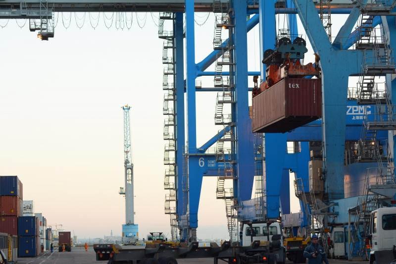 No mês passado, foram movimentados 71.242 TEUs no terminal