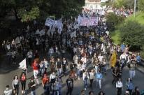 Estudantes reagem a novas regras para manifestações em Porto Alegre