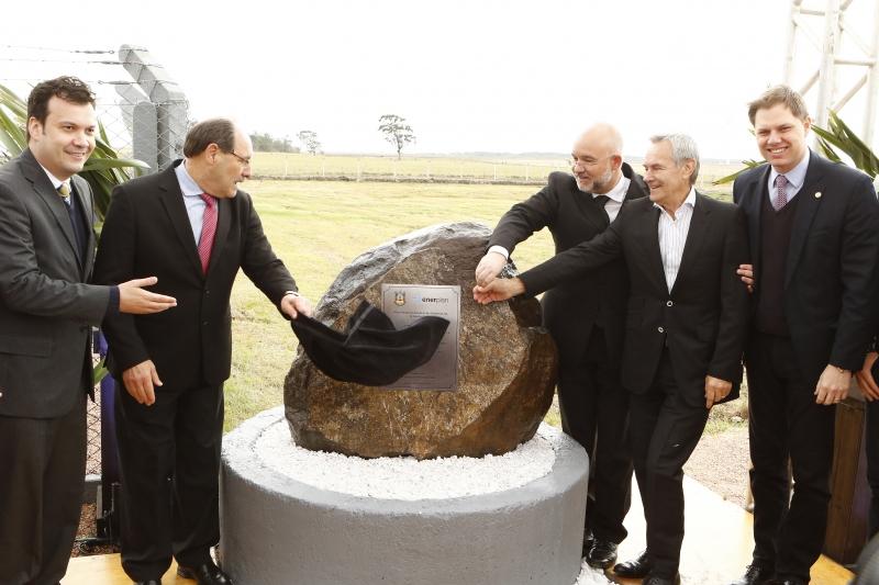 Artur Lemos (ao lado de Sartori) defendeu potencial gaúcho no setor
