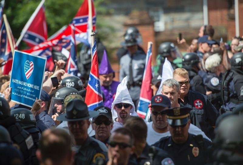 Em agosto de 2017, um movimento com a estética da Ku Klux Klan ganhou as ruas de Charlottesville