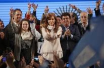 Cristina Kirchner vence eleições primárias em Buenos Aires em votação apertada