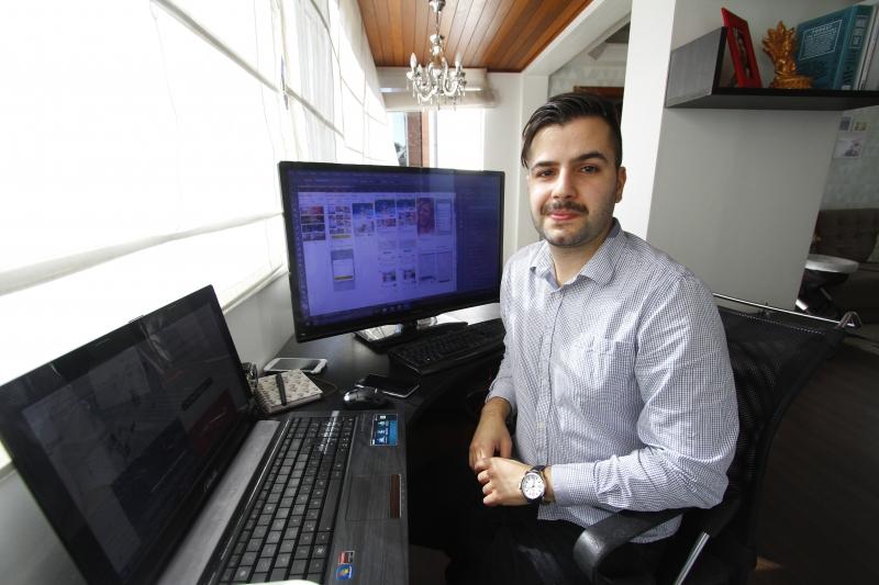 Lucas trabalha de Porto Alegre e tem colaboradores em São Paulo, Rio e Santa Catarina