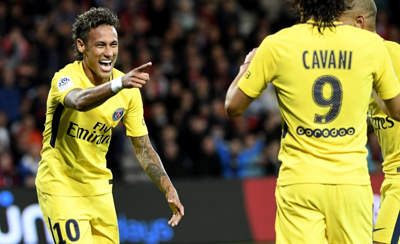Transferência de Neymar gera 8 vezes mais reações na página do PSG