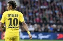 Com dores na coxa, Neymar desfalcará PSG neste sábado em duelo do Francês