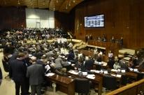 Dois projetos trancam pauta do Parlamento