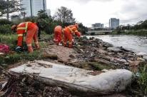 Prefeitura retira 76 toneladas de lixo da orla do Guaíba em Porto Alegre