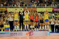 Seleção feminina de vôlei vence Sul-Americano e vai ao Mundial