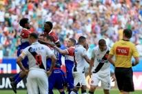 Bahia ganha fácil, e Vasco chega a cinco jogos sem vitória no Brasileiro