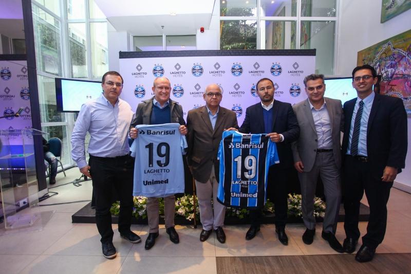 Em auditório de hotel, Grêmio divulga novo patrocinador