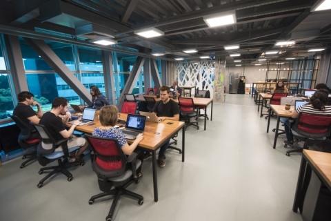 Pucrs inaugura novo espaço de coworking para startups e adere ao selo poa.hub
