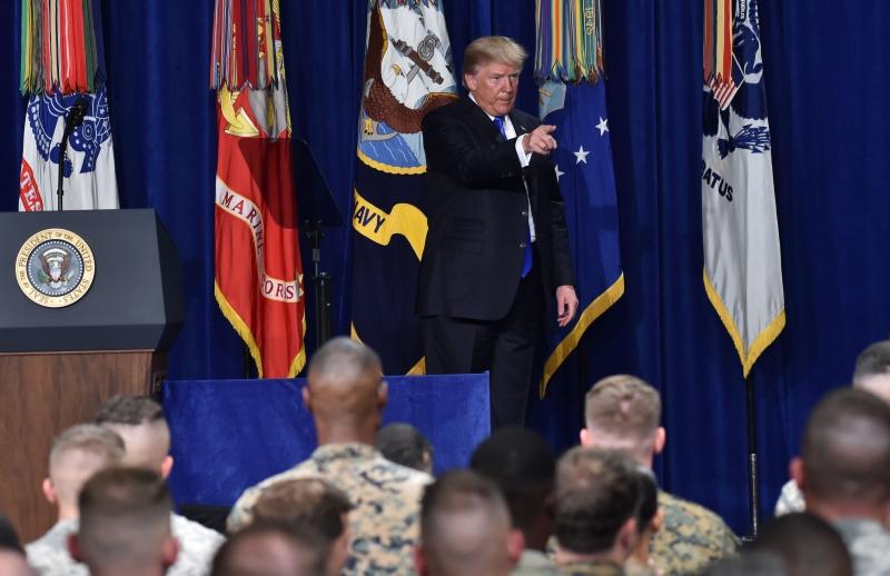 Trump voltou atrás e não dá mais prazo para retirar as tropas do país