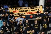 Em protesto, servidores denunciam tentativas de cercear o trabalho da Polícia Federal