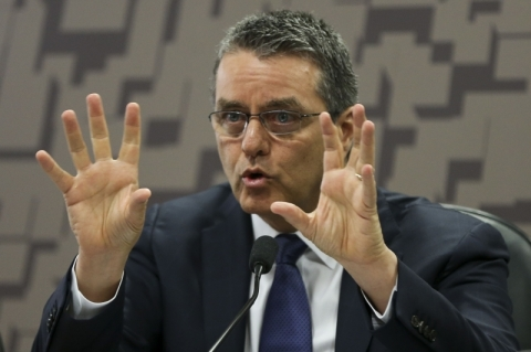 Roberto Azevêdo deixa diretoria-geral da OMC um ano antes do fim do mandato