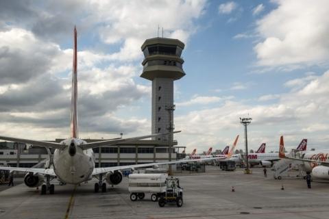 Governo inicia concessões de 14 aeroportos