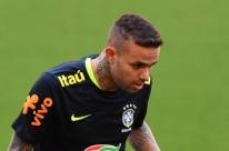 Luan faz tratamento e segue como dúvida no Grêmio para encarar o Botafogo
