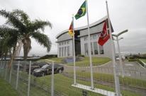 Operação da Polícia Federal investiga fraude de R$ 100 milhões em obra da freeway