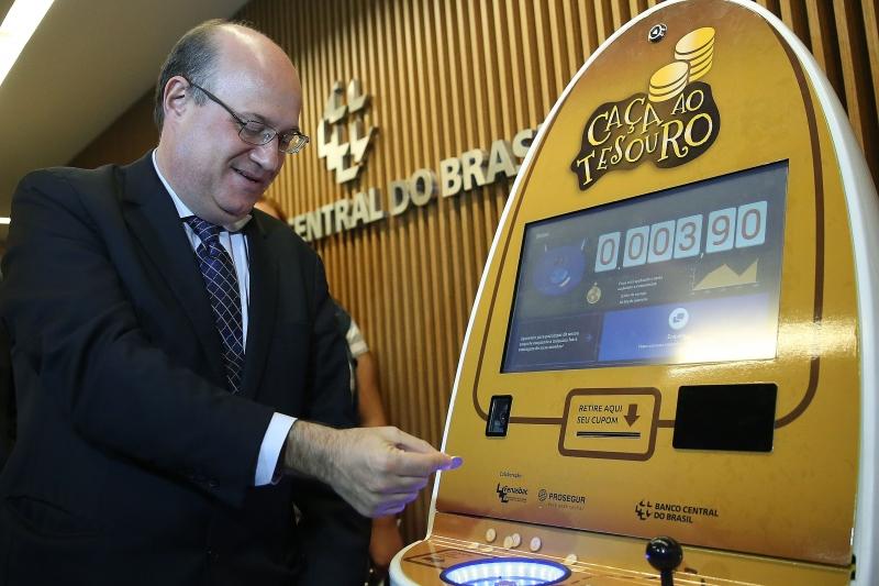 Custo para suprir o dinheiro foi de R$ 243 milhões em 2016, diz Goldfajn