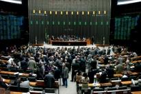 Parlamento é reprovado por 60% da população